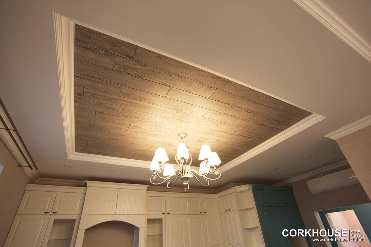 клеевая пробка для потолка в квартире