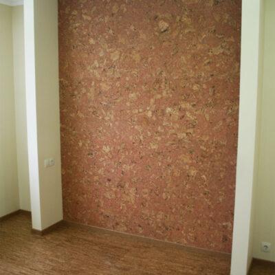 акцент в интерьере с помощью стеновой пробки